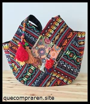 Bolsos bordados de souvenir